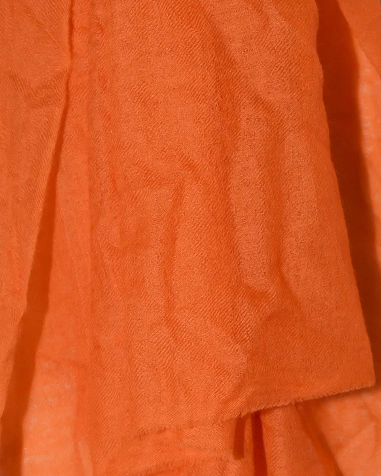 rivenditore all'ingrosso dc91a 3f0ab Kiru Orange